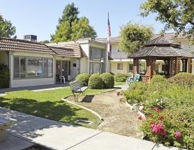 Nova Ro I  Senior Housing  Exterior